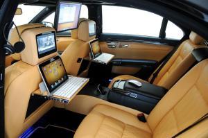 apple-mercedes-car