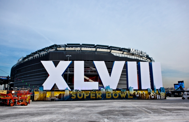 MetLife_Stadium_exterior_Super_Bowl_XLVIII